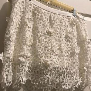 Trina Turk ivory lace skirt/shorts 10 NEW